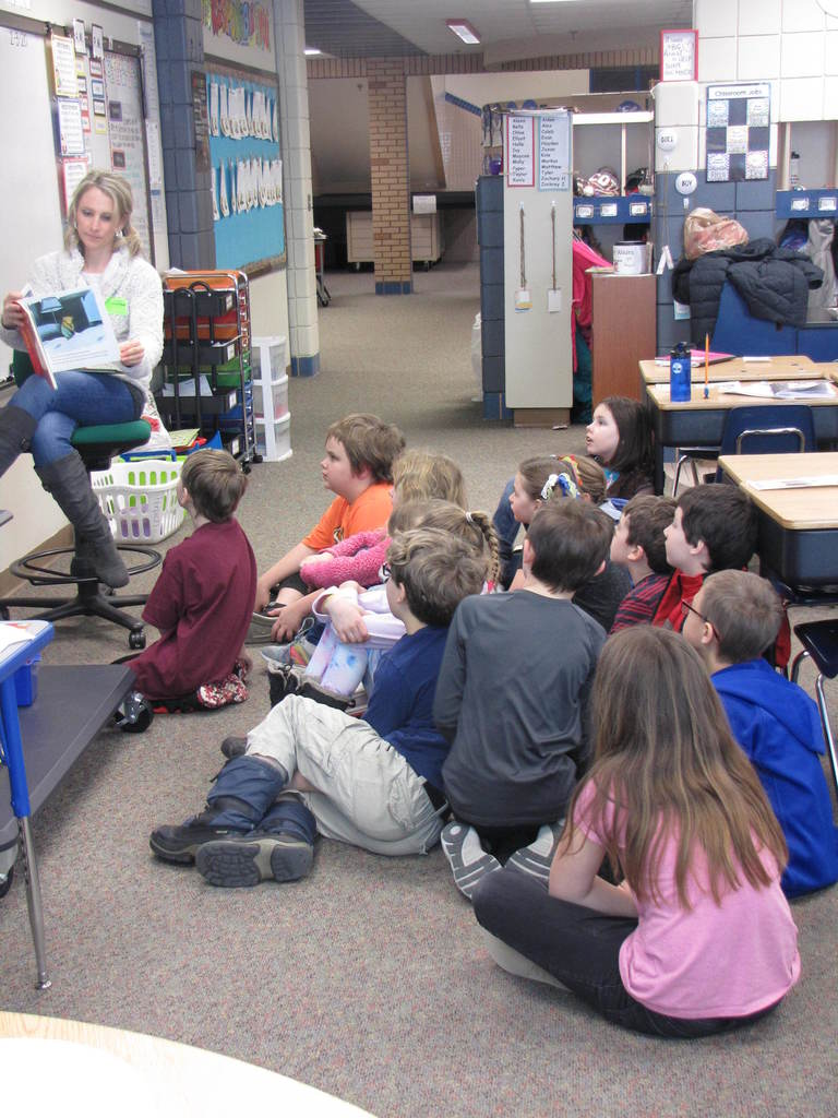 Mystery reader to 3rd graders
