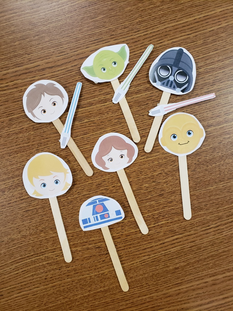 paper Star Wars puppets on sticks